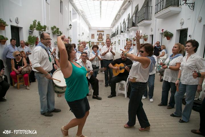 baile con coro rociero
